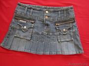 Юбка джинсовая,  стрейч,  корткая р-р 44-46. в складку.
