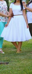 Продам белое летнее платье.